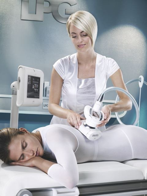 body modeling treatment with endermolab technology